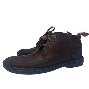 Dr Martens Sussex Chucka Boot low top shoe